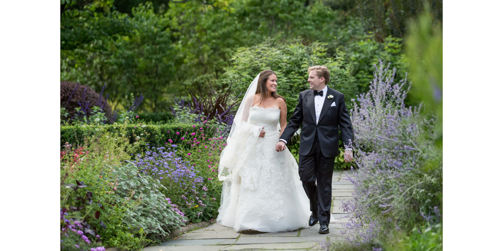 candid central park wedding, bride and groom, luxury wedding, oscar de la renta, lavender, summer