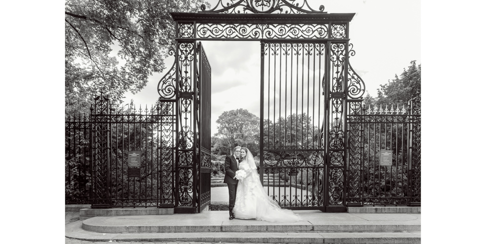central park ny wedding, central park garden conservatory, bride and groom portrait